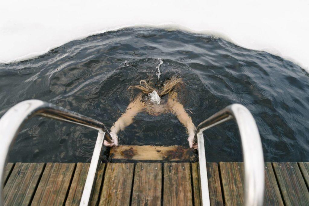 Les bienfaits des bains froids : mythe ou réalité ?